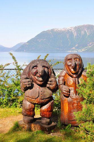 挪威精靈化身為木雕