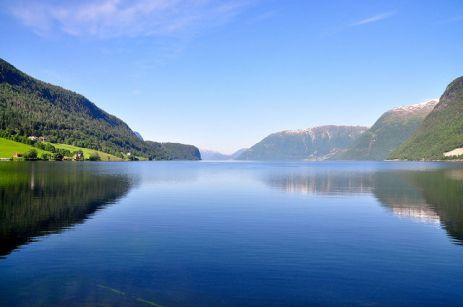 霍爾寧達湖