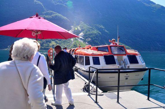 郵輪旅客搭乘泊船處