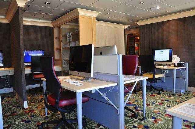 極豪華的電腦室