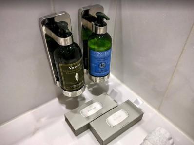 歐舒丹的洗手露和身體乳液