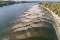 低水位問題持續延燒,歐洲河輪業者盼天早日降雨