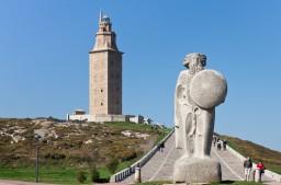 拉科魯尼亞的千年燈塔