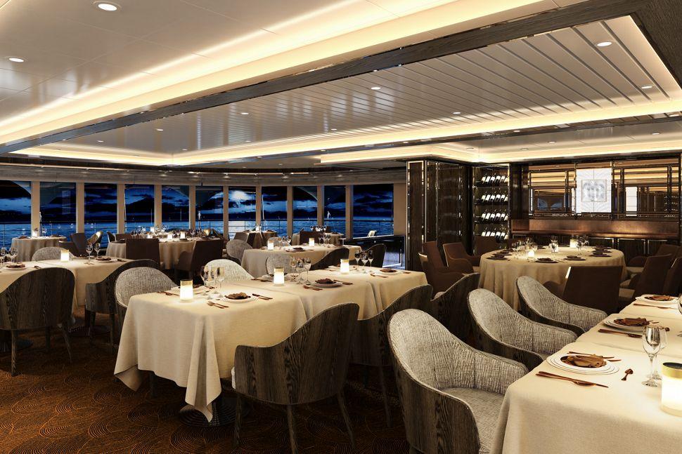 silversea-luxury-cruises-silver-moon-ship-la-dame
